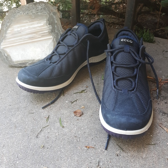 Nwot Ecco Navy Blue Leather Tennis Shoe